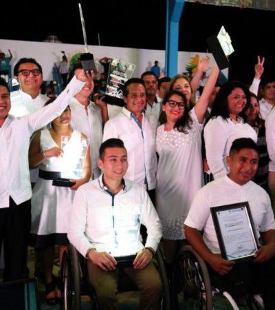 Entregan el Premio Estatal de la Juventud 2018 a 13 jóvenes de un total de 82 participantes