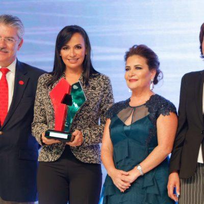 Dan reconocimiento a Alcaldesa de Puerto Morelos por buenas prácticas en materia de medio ambiente