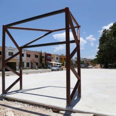 Avanza construcción de cancha de usos múltiples en la Región 97 de Cancún