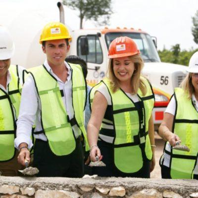 Coloca Remberto Estrada la primera piedra del CADI 14 en Cancún