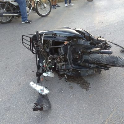 Taxista arrolla y mata a motociclista en Playa del Carmen