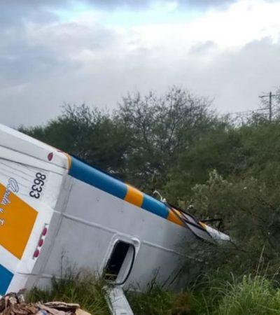 Choca tráiler contra autobús de empresa Pirma en Jalisco; 8 personas muertas y al menos 20 lesionados
