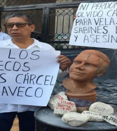 Protestan ciudadanos en el Congreso de Chiapas por autorizar la licencia a Velasco para quien exigen juicio político