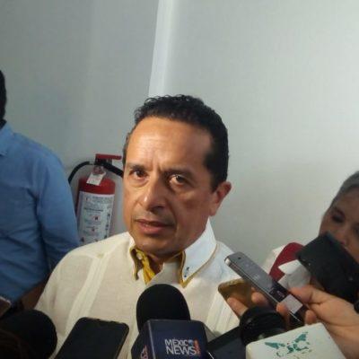 """""""NO TENGO NINGÚN DATO"""": Le sorprende a Carlos Joaquín la renuncia del Fiscal; desmiente al Congreso y asegura que todavía no ha sido notificado"""