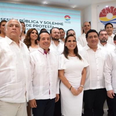 "Rompeolas: ¡Viva la familia en el ayuntamiento de ""Mara""!"