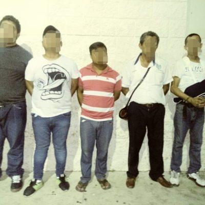 Cinco detenidos con armas en la Quinta Avenida dicen vender artesanías