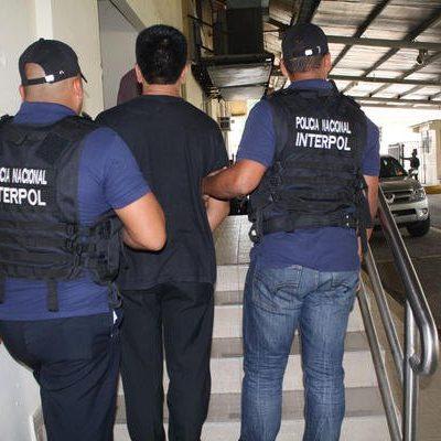 Detienen a pareja en Pueblo Nuevo Solistahuacán, Chiapas, que era buscada por la Interpol