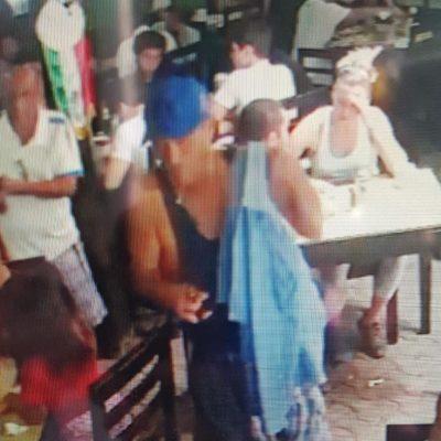 Graban robo a mujer en café de Tulum