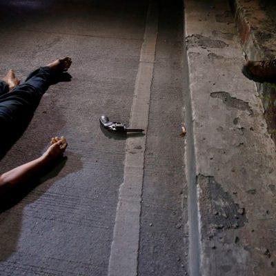 'IMPLACABLE Y ESPELUZNANTE' POLÍTICA CONTRA LAS DROGAS: Padece Manila 'limpia' de adictos