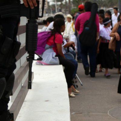 Escoltan policías a maestros de la sierra en Veracruz para que puedan llegar a las escuelas