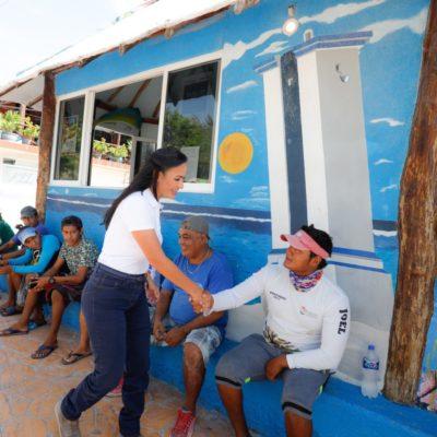 Laura Fernández reconoce labor de pescadores apoyando al sector durante su administración