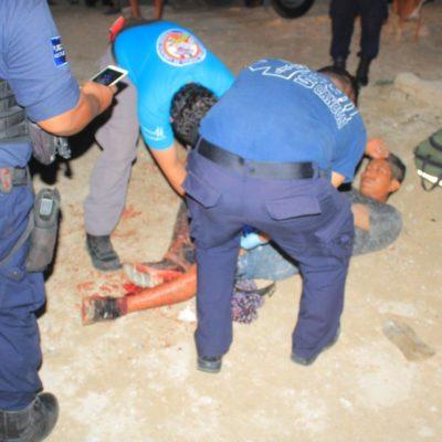 Hieren de bala a un hombre en la zona de invasión del fraccionamiento In House de Playa del Carmen