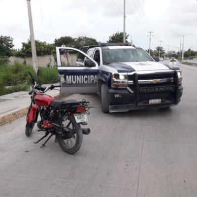Motociclista dispara sobre una casa, policías lo persiguen, pero se escapa