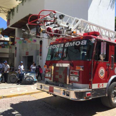 Se incendia tienda en Paseo del Carmen, en la zona turística de Playa