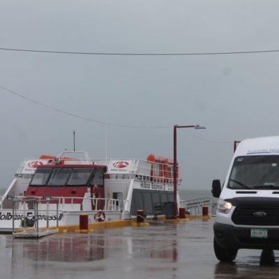 Lluvias ahuyentan al turismo en Holbox y puerto se mantiene cerrado a la navegación menor