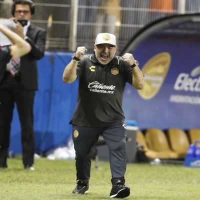 Gana Maradona su primer juego con Dorados y monta un 'show' con cada gol; va por el ascenso, dice