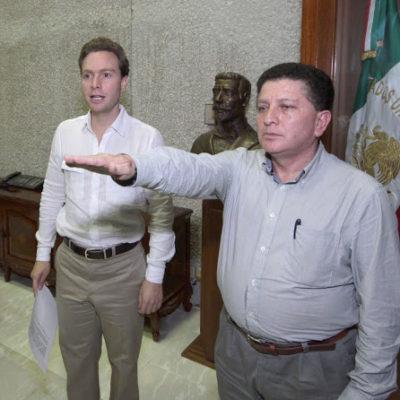Obtiene funcionario de Chiapas pensión vitalicia por servicio público; la suspende ante críticas