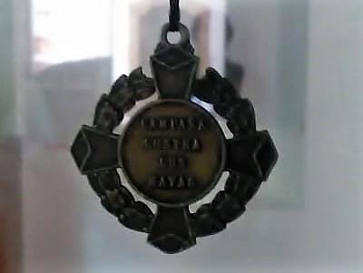 UNA PRESEA PARA NO OLVIDAR: Rescatan medalla que premiaba exterminio de mayas