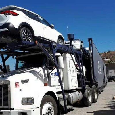 Roba comando armado camiones 'nodriza' que transportaban 70 automóviles nuevos en Veracruz