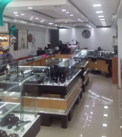 """PGR aseguró 20 relojes de lujo """"piratas"""" en dos joyerías de Cozumel"""
