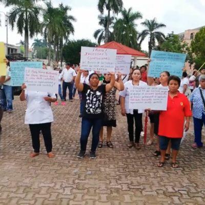 Protestan trabajadores de la salud por invasión a su terreno en Carrillo Puerto