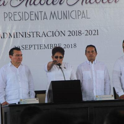 CAMBIO DE MANDO EN JMM: Promete Sofía Alcocer trabajar de la mano del gobierno estatal y federal