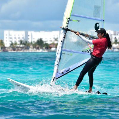 Urgen apoyos para windsurfistas quintanarroenses