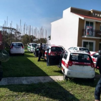 Aseguran 19 taxis propiedad de familiar de Javier Duarte; 'podrían' ser usados para delinquir, dicen