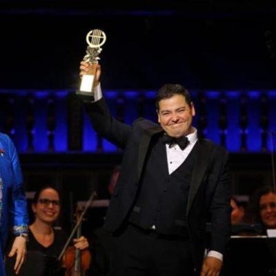 El tenor mexicano Galeano Salas gana concurso internacional de canto en Hungría