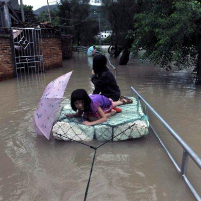 Golpea a Japón el peor tifón en 25 años; amenaza a 1.2 millones de habitantes y deja daños millonarios