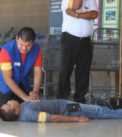 Establecimientos comerciales realizan simulacros para ser evaluados en la Semana Nacional de Protección Civil; la mayoría registra retardo en atención y evacuación de los edificios en Playa del Carmen