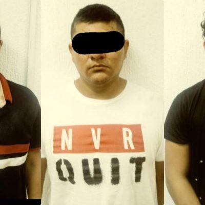 DESBARATAN CÉLULA DEL CJNG EN CANCÚN: Confirman detención de tres personas con armas, cartuchos y drogas durante cateo en el fraccionamiento Jardines del Sur