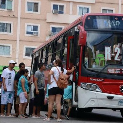 """""""NO SABEMOS CUÁNDO LO VAYAN A SUBIR"""": Urge regidor Antonio Meckler a 'discutir' la prórroga a las concesiones del transporte urbano en Cancún, pero niega que pretendan también aumentar tarifas"""