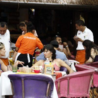 Restaurantes de la zona turística de Playa del Carmen se preparan para alza en fiestas patrias