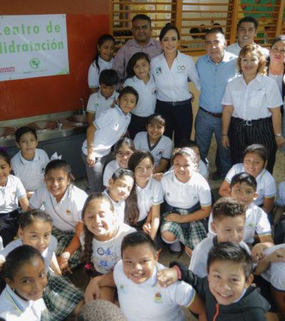 Instalan centros de hidratación en escuelas primarias de Puerto Morelos