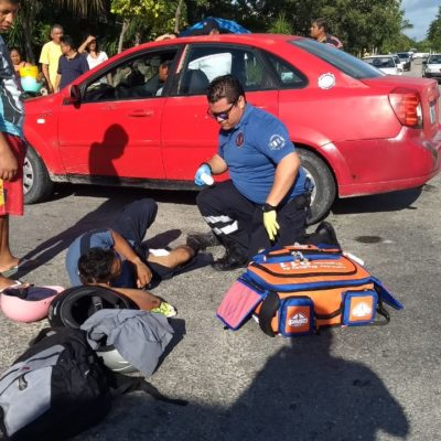 Quedan lesionados cuatro que iban en una moto en Playa del Carmen