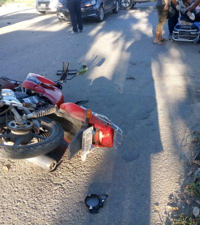 Impacta auto a motociclista en la colonia Proterritorio de Chetumal