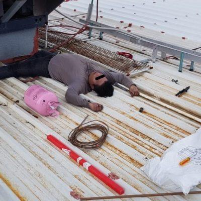 Muere electrocutado un joven mientras reparaba climas en Puerto Aventuras