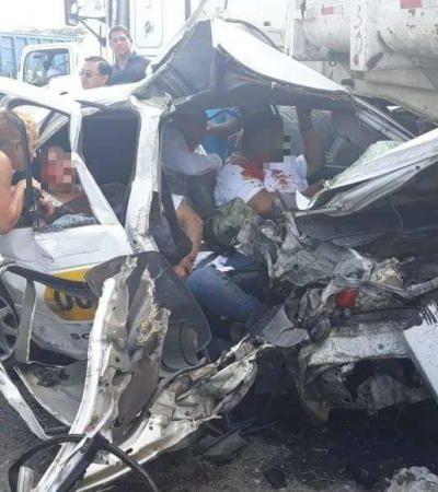 Choca taxi contra góndola en la Villahermosa-Macuspana; 4 muertos y una menor herida