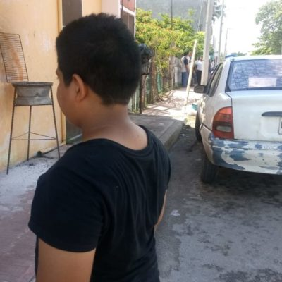 Acusan a ministerial de agredir con su arma a un niño en Chetumal