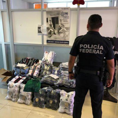 Aseguran en aeropuerto de Chetumal paquetes de uniformes sin comprobar