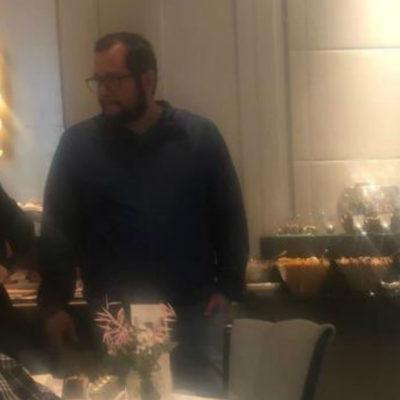 Captan a hijo de López Obrador en restaurante de hotel de lujo en Madrid