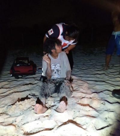 Rescatan a borracho de las olas, en Playa del Carmen