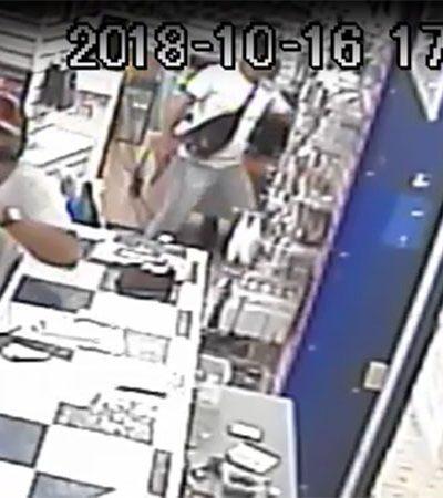 IMPARABLES, LOS ROBOS DE COMERCIOS EN CANCÚN: Graban cámaras de seguridad atraco impune en la Avenida Cobá