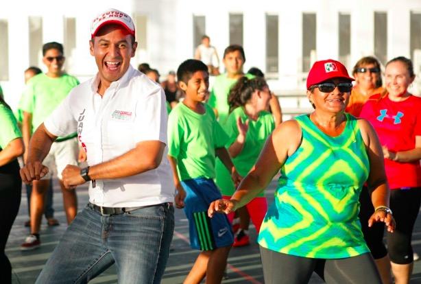 Rompeolas: Dejan manos libres a Juanito