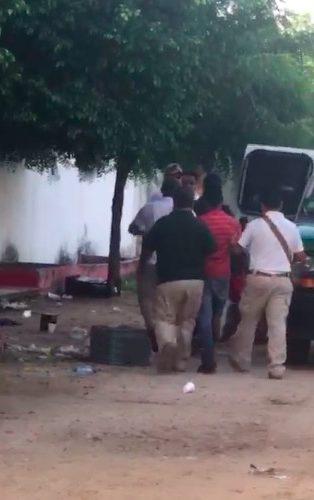 VIDEO | Graban a agentes del INM mientras perseguían a migrantes en Arriaga, Chiapas