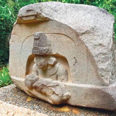 Dejan libres a indonesios que vandalizaron esculturas olmecas; vigilancia del parque no aportó evidencias