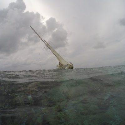 Encallamiento de velero estadounidense ocasiona daño en arrecifes del Área Natural Protegida del Banco Chinchorro; responsables podrían pasar de dos a 10 años en prisión