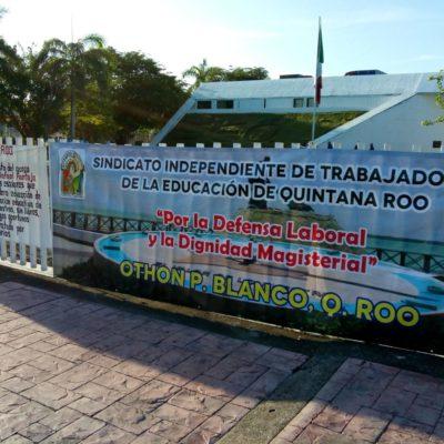 PLANTÓN DE MAESTROS EN CHETUMAL: Piden la destitución de subsecretario de Educación Básica