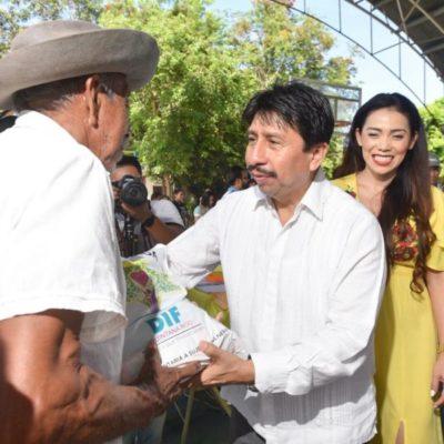 Habitantes de Punta Allen contarán con energía eléctrica a través de paneles solares, anuncia Víctor Mas